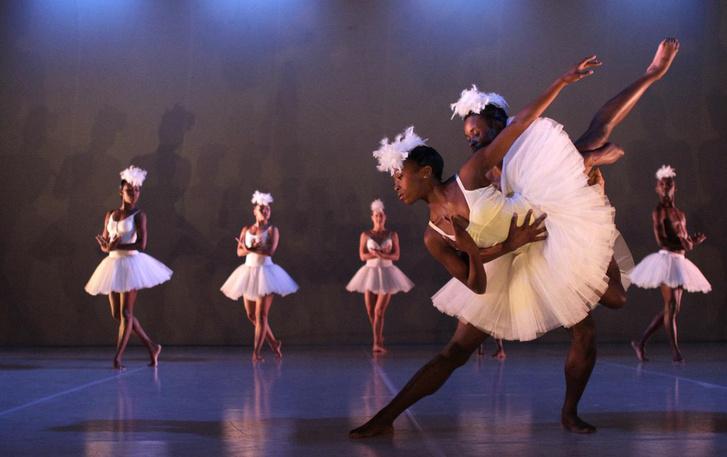 TESTI MESÉK Kortárs tánc a Sziget Fesztiválon